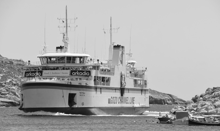 Gozo ferry crossings, number of passengers and vehicles all up